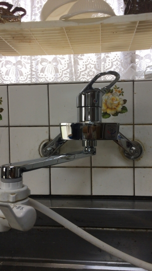 広島市安佐南区長束西 台所 キッチン 蛇口水漏れ