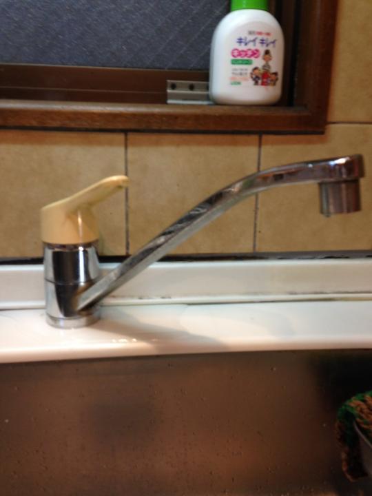 広島市南区宇品御幸 台所蛇口 キッチン水栓 水漏れ修理 蛇口交換