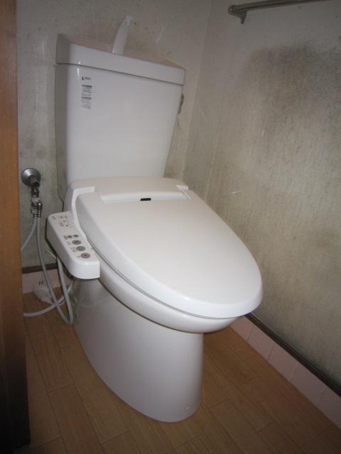 廿日市市宮園 トイレ水漏れ トイレリフォーム