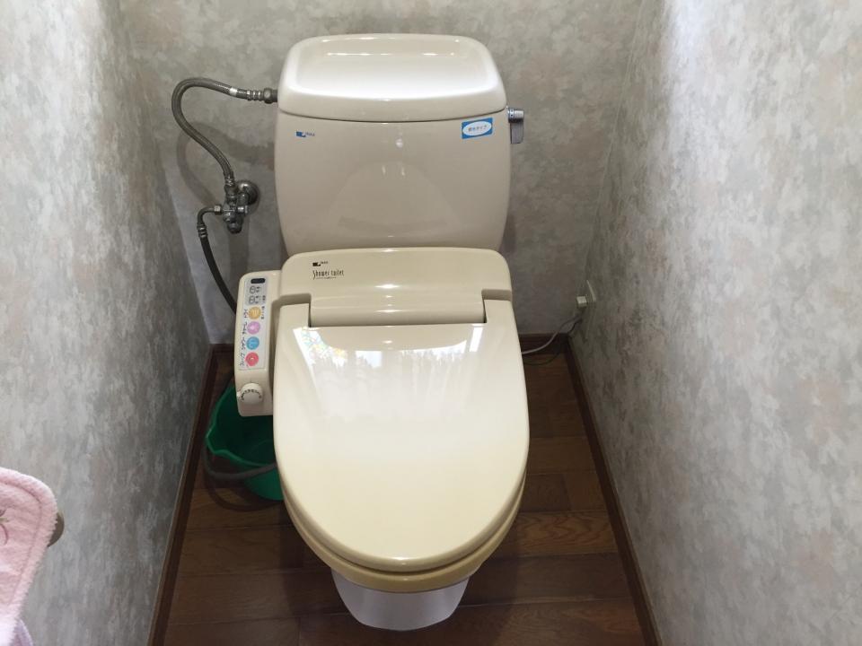 広島市安佐北区飯室町 トイレ水漏れ 便器交換