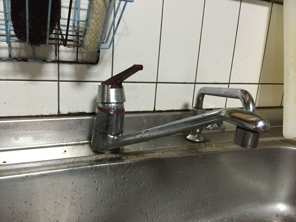 東広島市八本松町飯田 台所蛇口水漏れ修理 蛇口交換