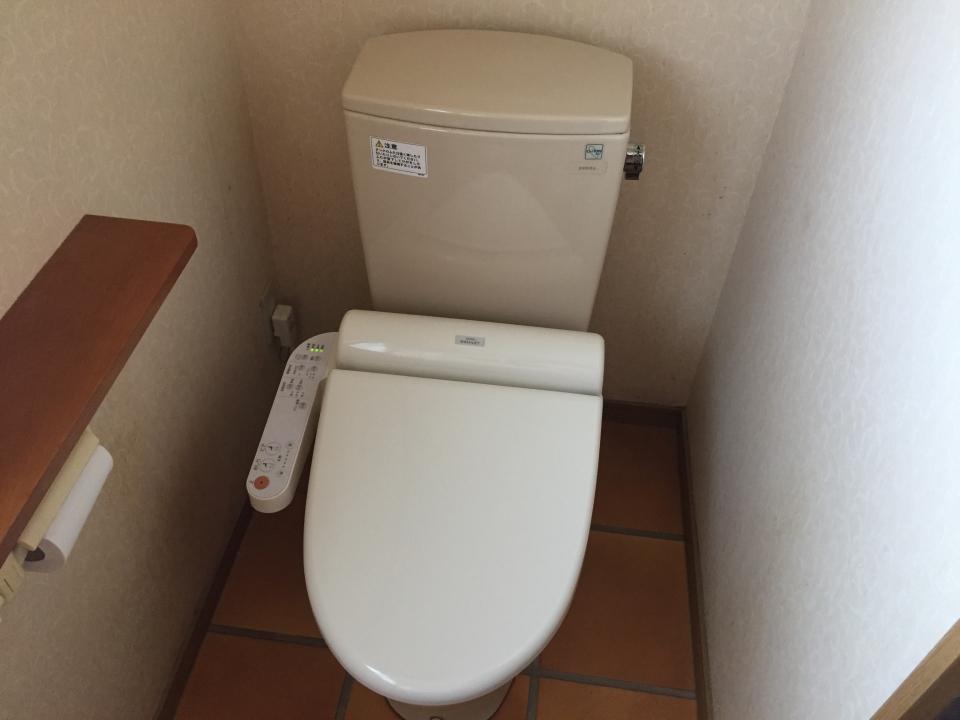 東広島市高屋町高屋堀 トイレ水漏れ修理 便器交換