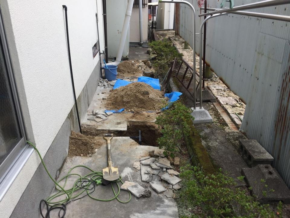 江田島市江田島町 給水管補修工事 作業中