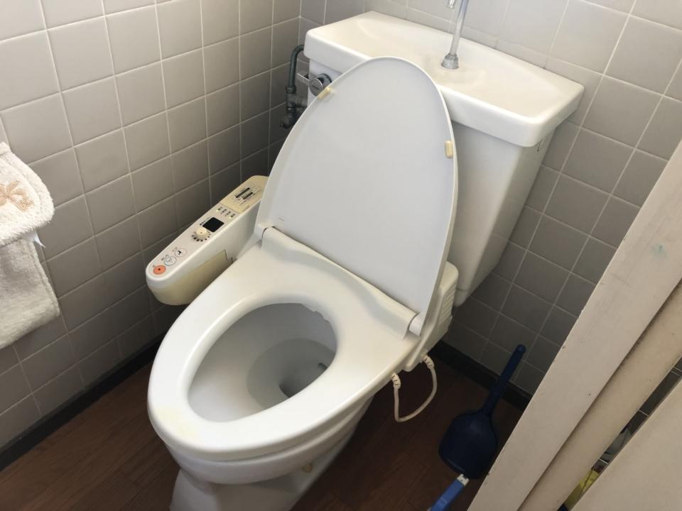 トイレの水漏れ   修理方法